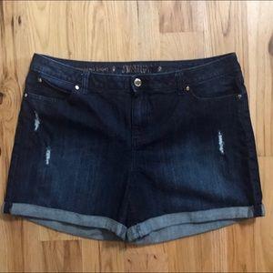 Jennifer Lopez denim boyfriend shorts size 16